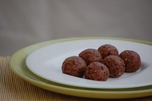 Almonds cranberries balls